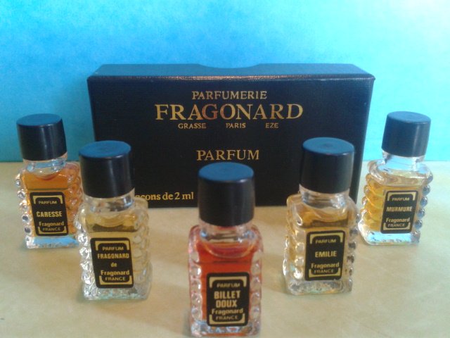 coffret fragonard cinq parfums de collection fragonard. Black Bedroom Furniture Sets. Home Design Ideas